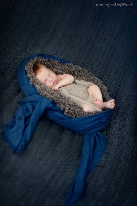 Newborn overzichtsfoto