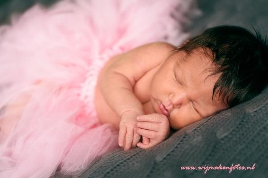 Babymeisje in tutu