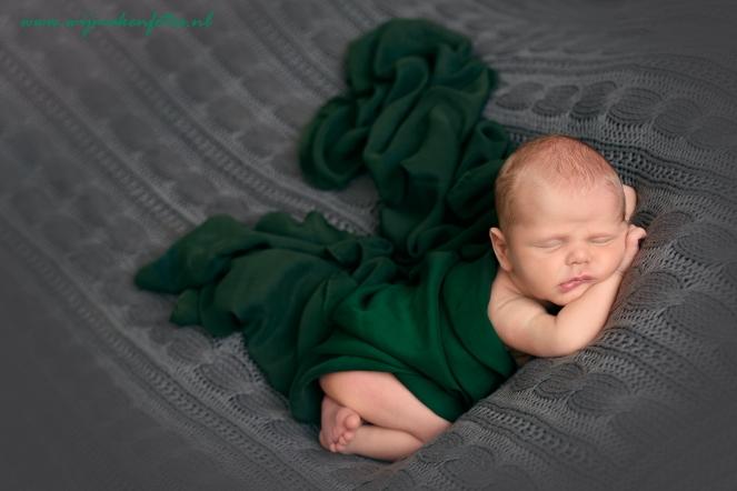 Newborn-fotograaf-den-bosch-baby-shawl2